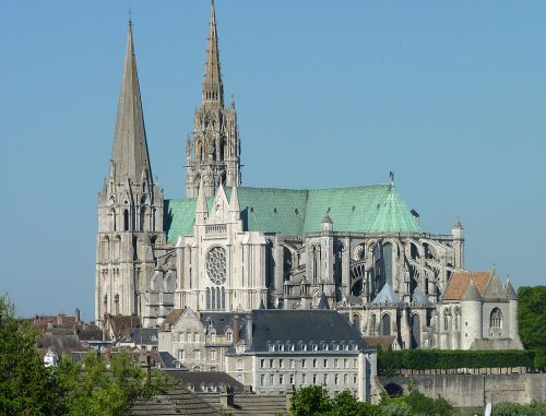 1024px-Notre_Dame_de_Chartres.jpg